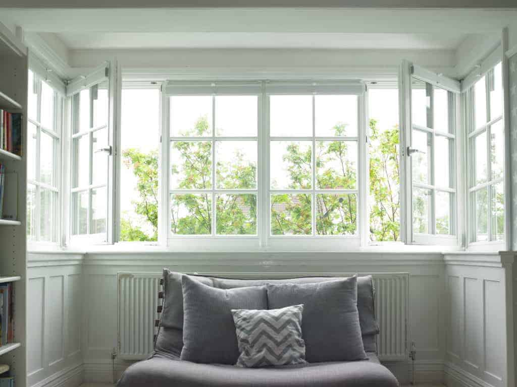 Leeds replacement triple glazed timber bay window